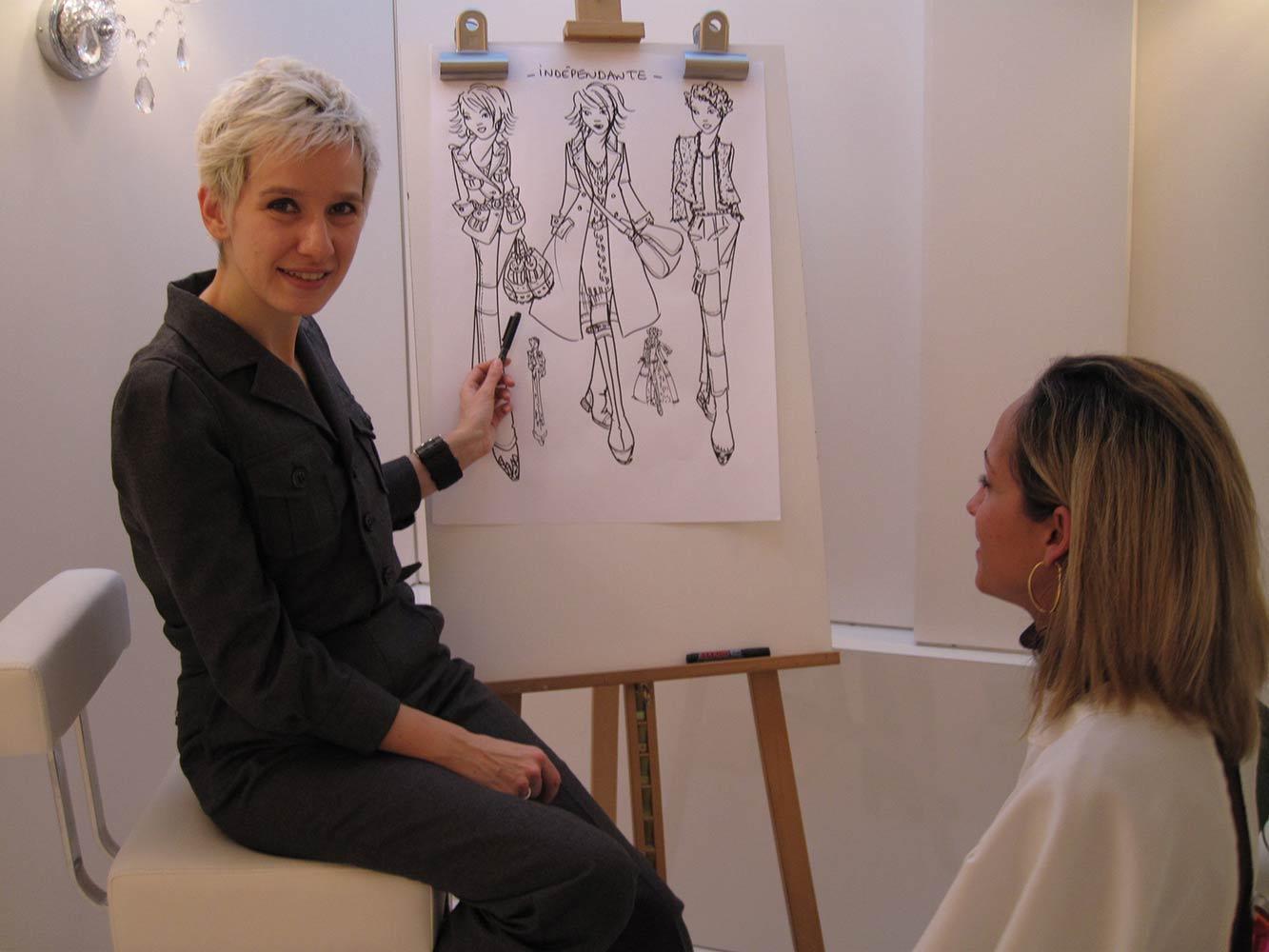 Céline Hoffmann élabore des suggestions de stylisme